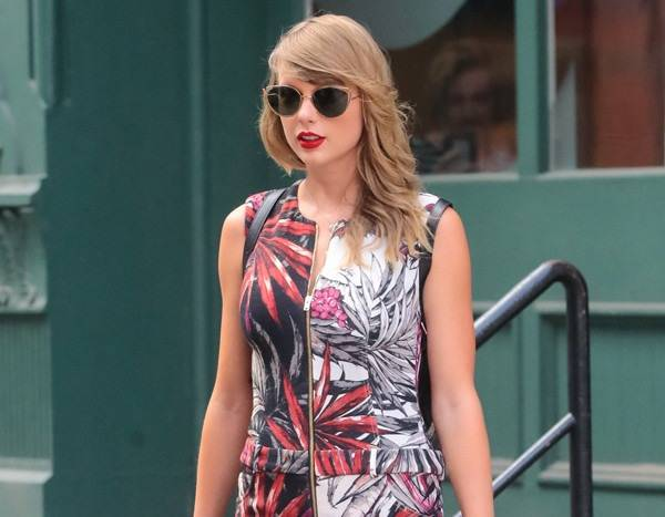 ddfaac42c9ad Taylor Swift s NYC Street Style Paradise Is Officially Back - News ...