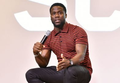 Kevin Hart returns to stage; comedians defend him amid homophobic tweets scandal