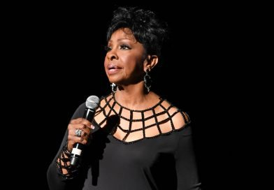 Gladys Knight explains why she's singing the Super Bowl national anthem