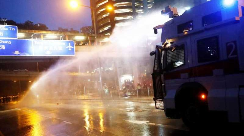 Hong Kong protests: Police use water cannon for first time against demonstrators